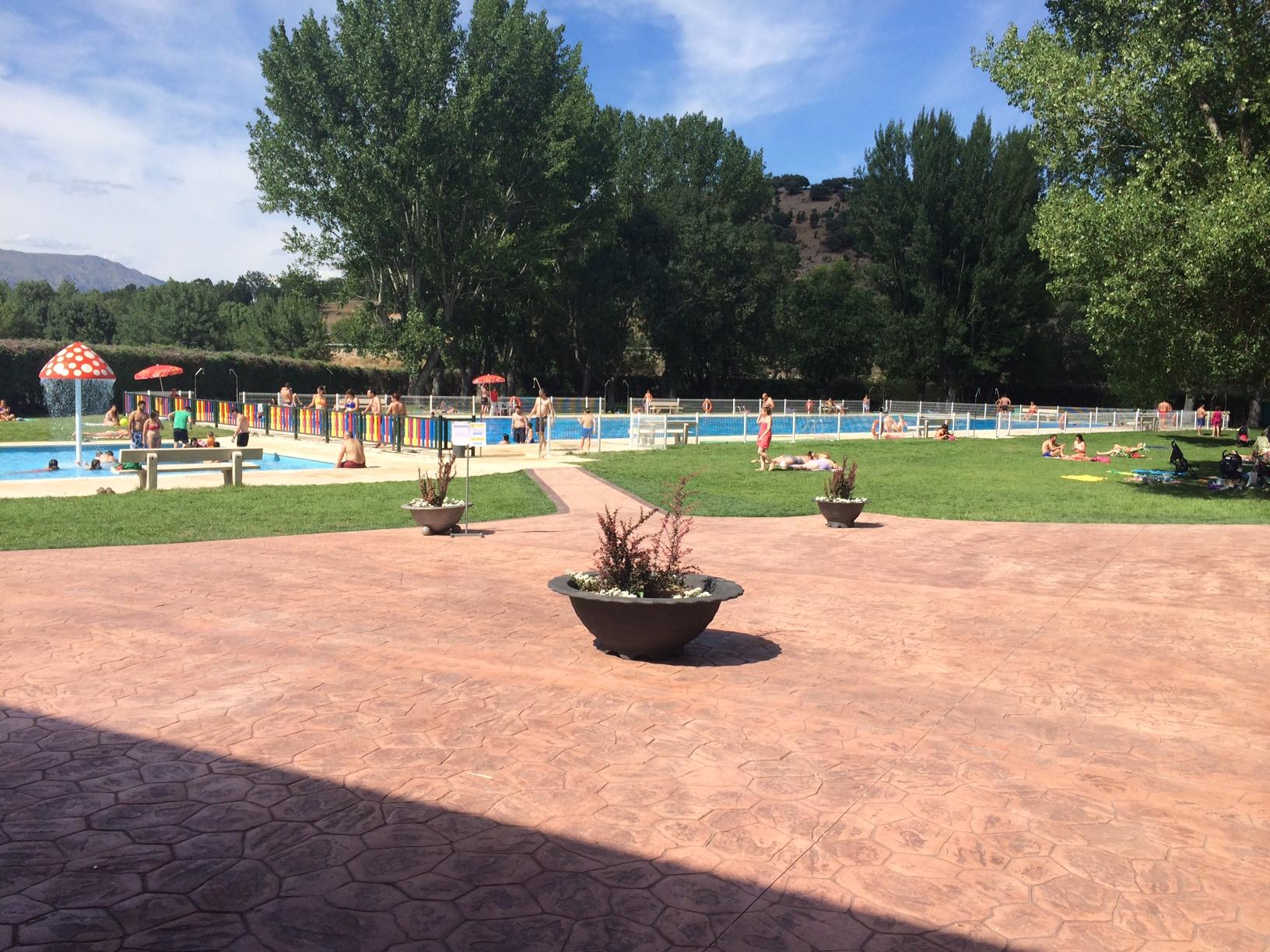 Apertura piscina municipal de guadalix de la sierra el 22 for Piscina en la sierra madrid